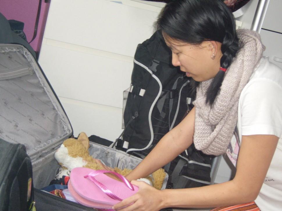 Stuffed cat.... check. Pink thongs.... check.