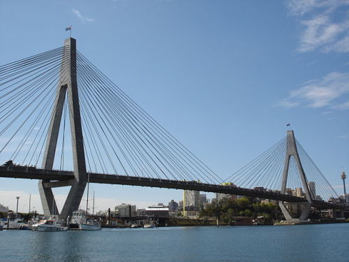 Anzac_Bridge_WIKICOMMONS_Andy Mitchell