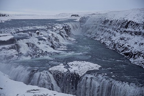 The grand and magnificent Gullfoss (Image source: Wikimedia Commons (CC BY-SA 3.0) - Credit to: Sarah1990)