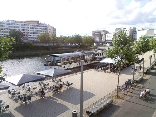 The city has turned this part of the river side into a lovely outdoor patio - giving more options to enjoy beautiful Saar.
