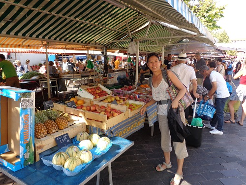 I have a soft spot for fresh produce markets - and the French do know how to eat seasonally! (Photo: William McPherson)